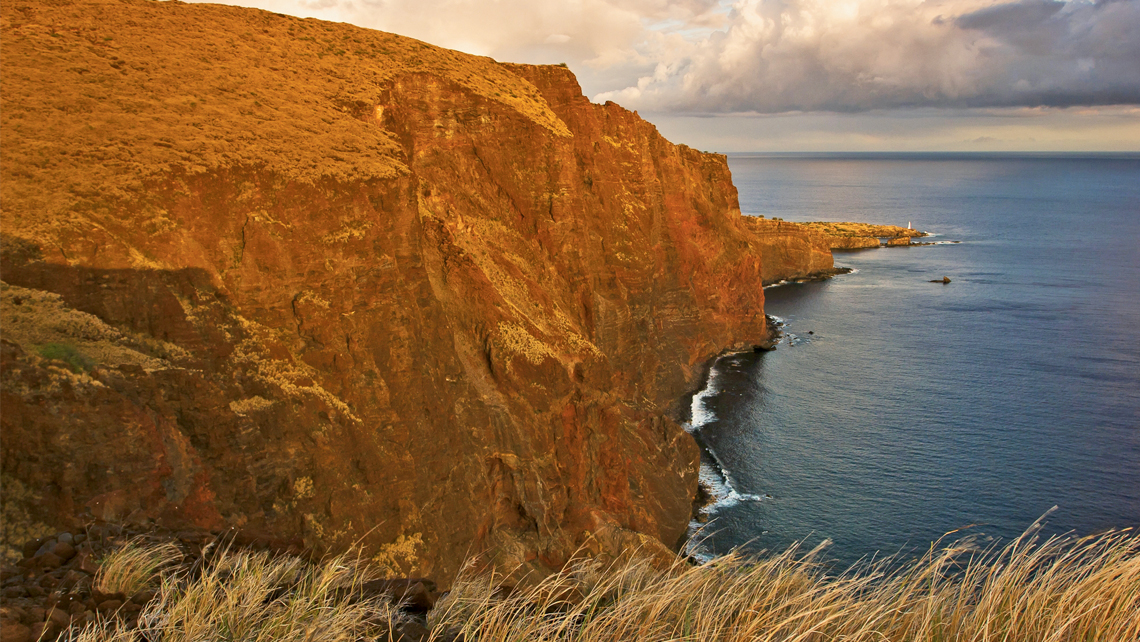 The southwestern coast of Lanai. Photo Credit: Pierce M. Meyers/Hawaii Tourism Authority