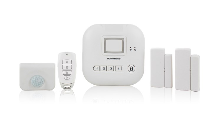 This system is designed to work with up to 100 wireless sensors and 10 wireless cameras. An Internet hub set up through your wireless Internet router enables you to monitor and control your home alarm system through your smart device. The Skylink app allows up to six users to monitor one or various locations simultaneously. The kit includes a back-up battery, a motion sensor, a keychain remote and two door/window sensors. In addition, it can be customized with additional home security accessories, such as a water leak sensor and a garage door sensor.