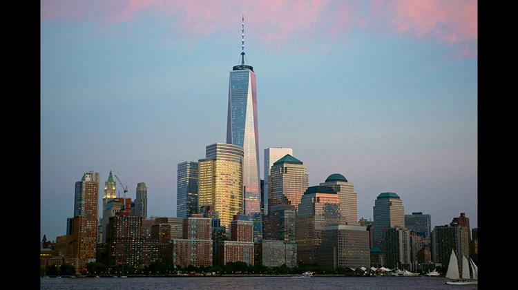 The lower Manhattan skyline, with One World Trade Center in the center.