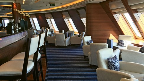 QM2 a voyage with updated elegance