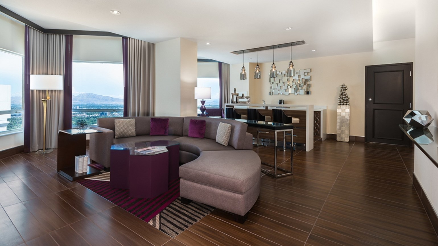Harrah's Las Vegas upgrades 672-room Valley Tower