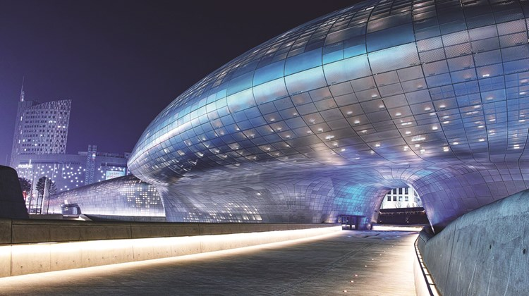 Dongdaemun Design Plaza is in the heart of Seoul, a collaboration between Iraqi-British architect Zaha Hadid and Korean studio Samoo.<br /><br /><strong>Photo Credit: Courtesy of Dongdaemun Design Plaza</strong>