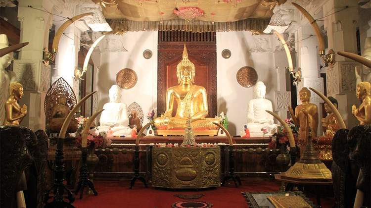A chamber in the Temple of the Sacred Tooth in Kandy.<br /><br /><strong>Photo Credit: Arnie Weissmann</strong>
