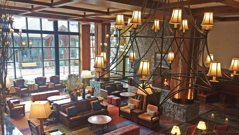 Stowe Mountain Lodge >> Stowe Mountain Lodge Offers Snow Days Deal Travel Weekly
