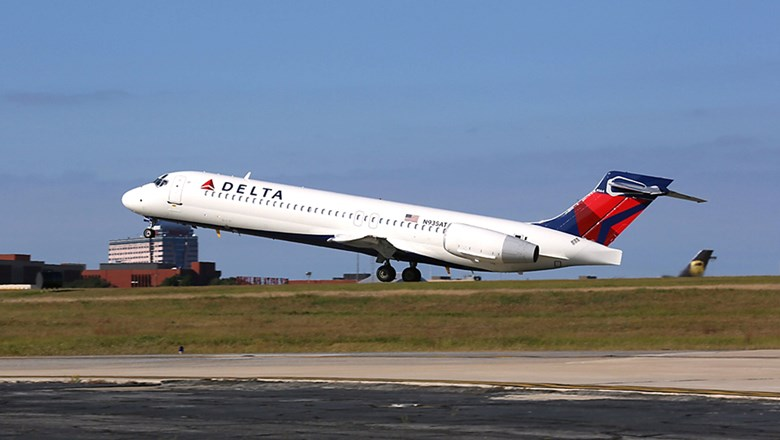 Delta parking up to 300 planes in 40% capacity cut