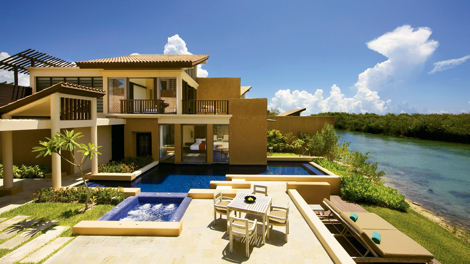 Asian-influenced elegance at the Banyan Tree Mayakoba