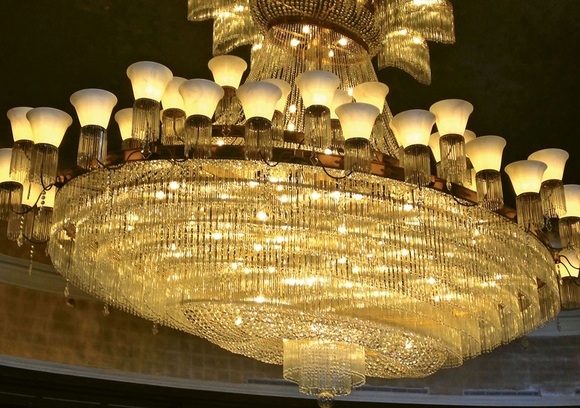 Best The pound Czech crystal chandelier in the Palm Court Lobby Installed in