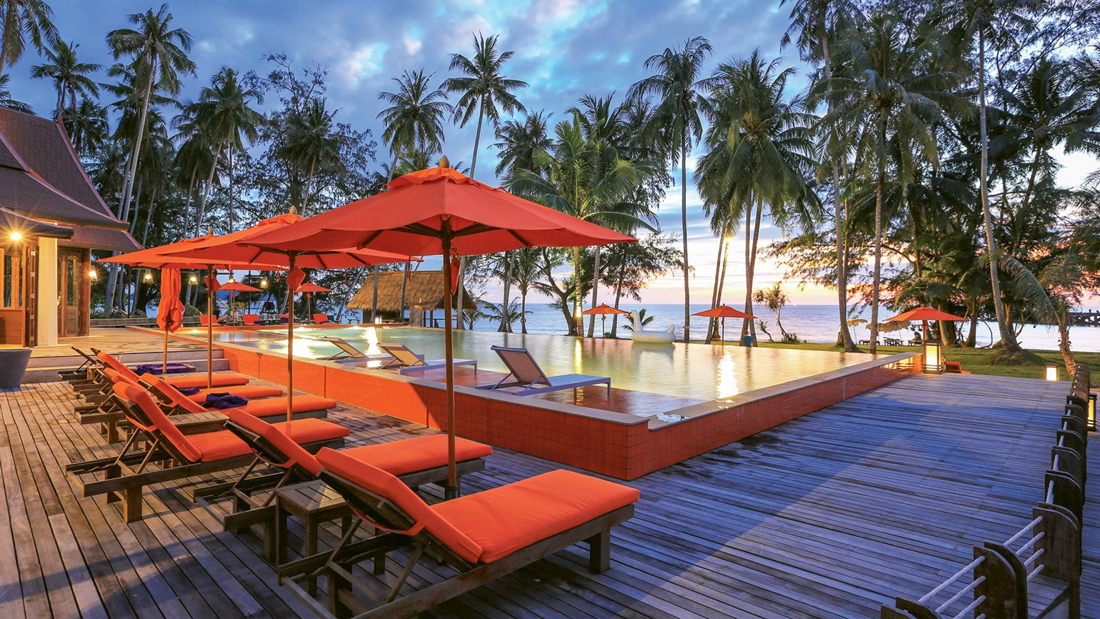 Tranquil stays at two Thai hotels