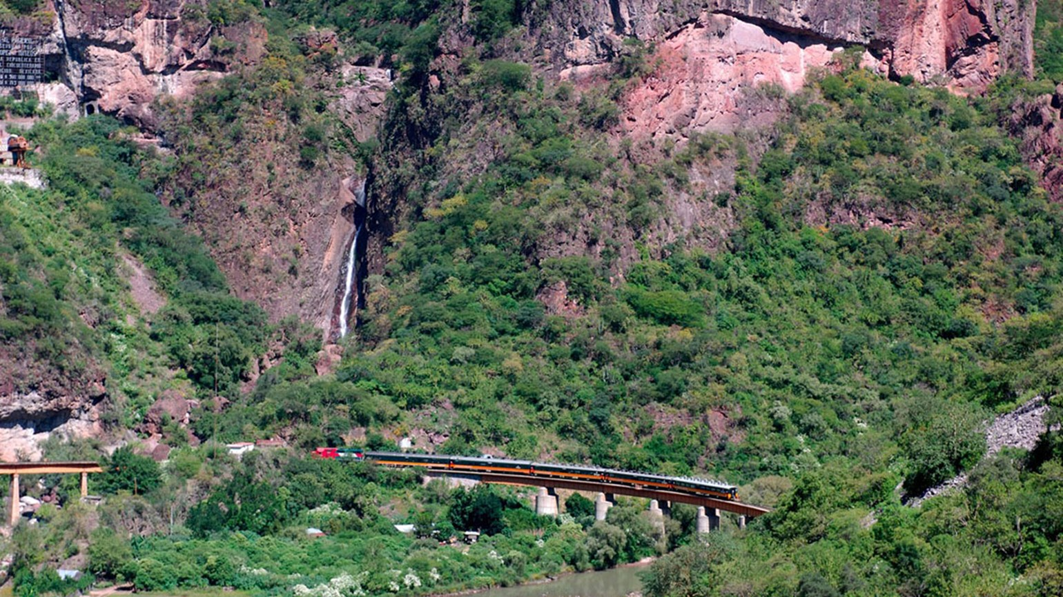 Rail tour in Mexico, from $400