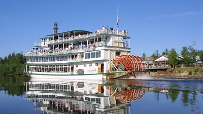 Alaskan sternwheeler takes guests back in time