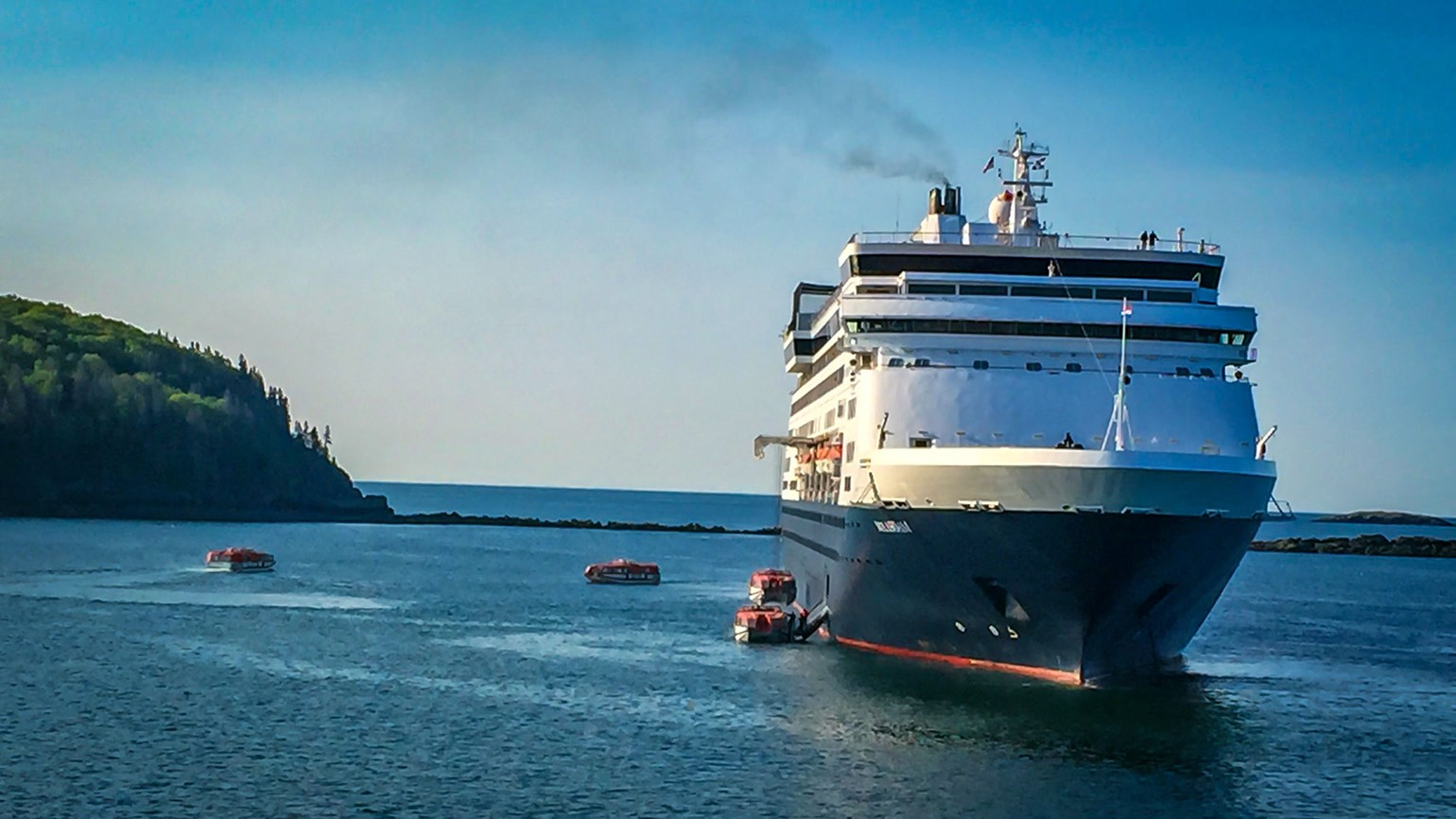 Two small towns, two takes on attracting cruise ships