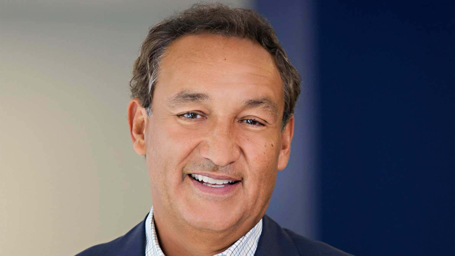 United CEO Munoz well-regarded by employees