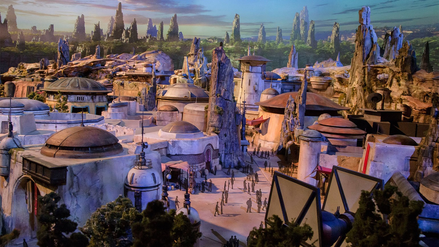 Franchises propel Disney parks growth