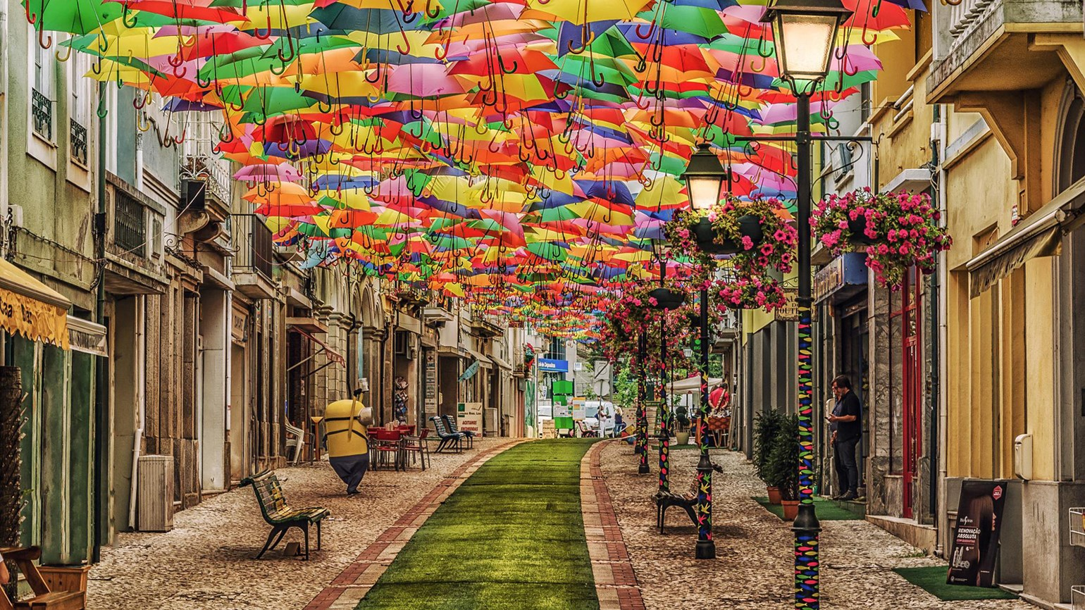 Pensacola opens umbrellas for outdoor art installation