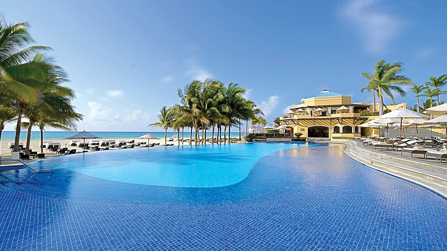 Everything old is new again at Royal Hideaway Playacar