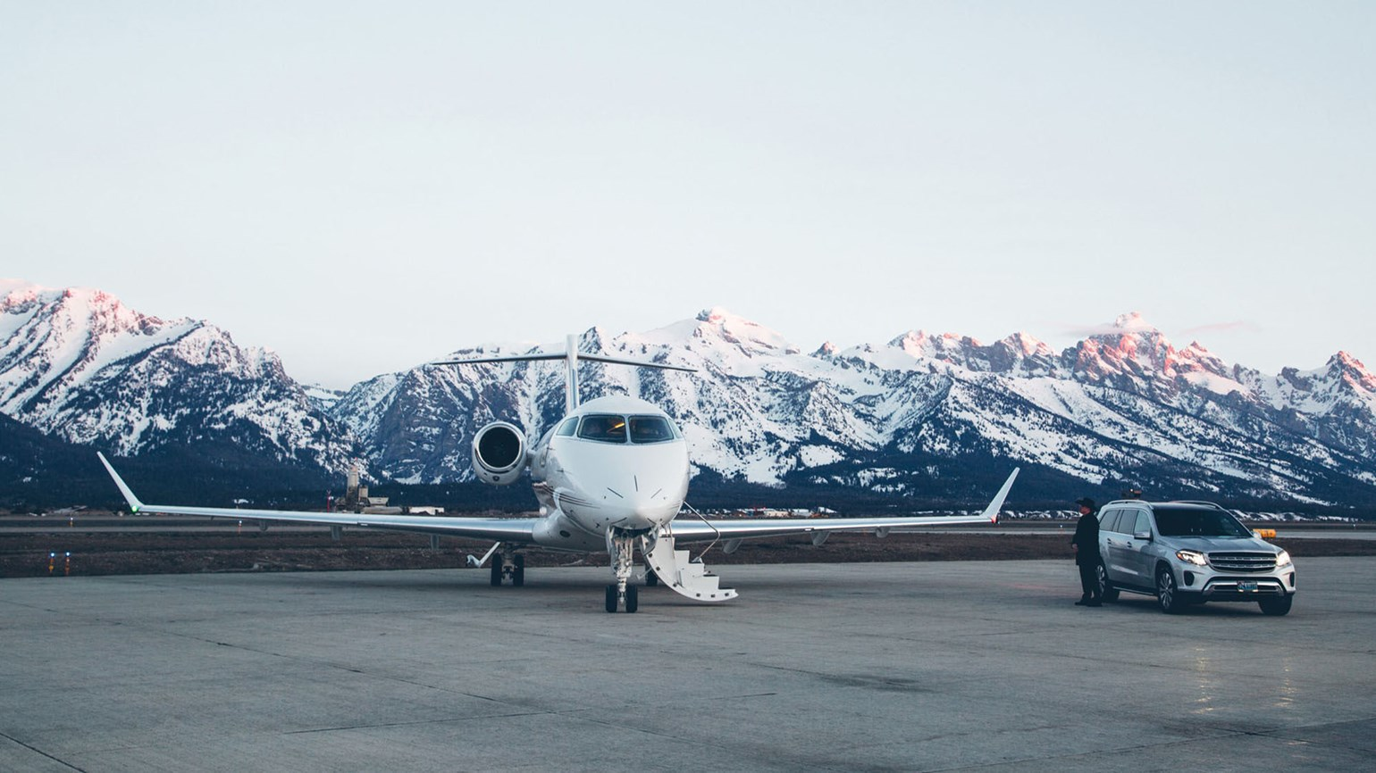 Four Seasons expanding private-jet options