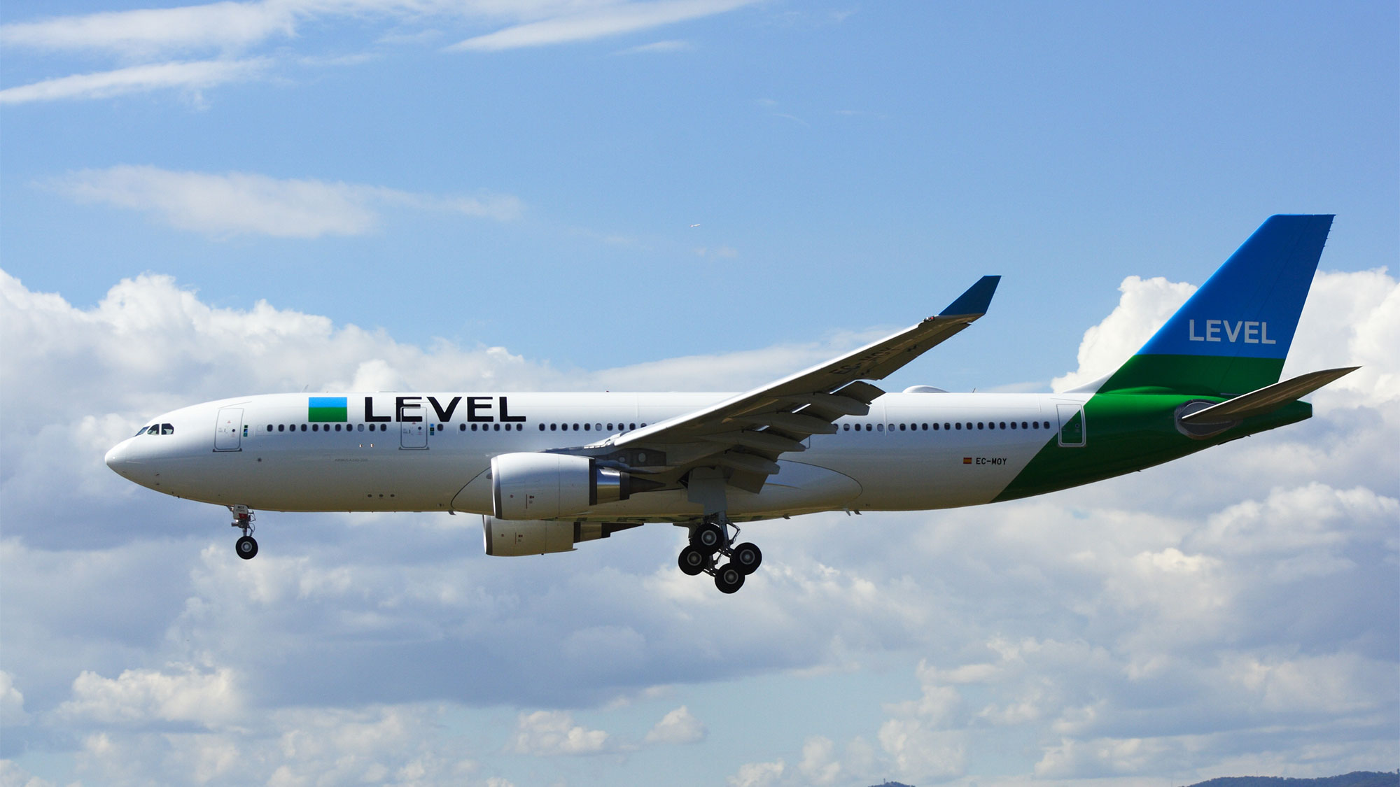 Low Cost Airline Level Going To Paris Orly Travel Weekly