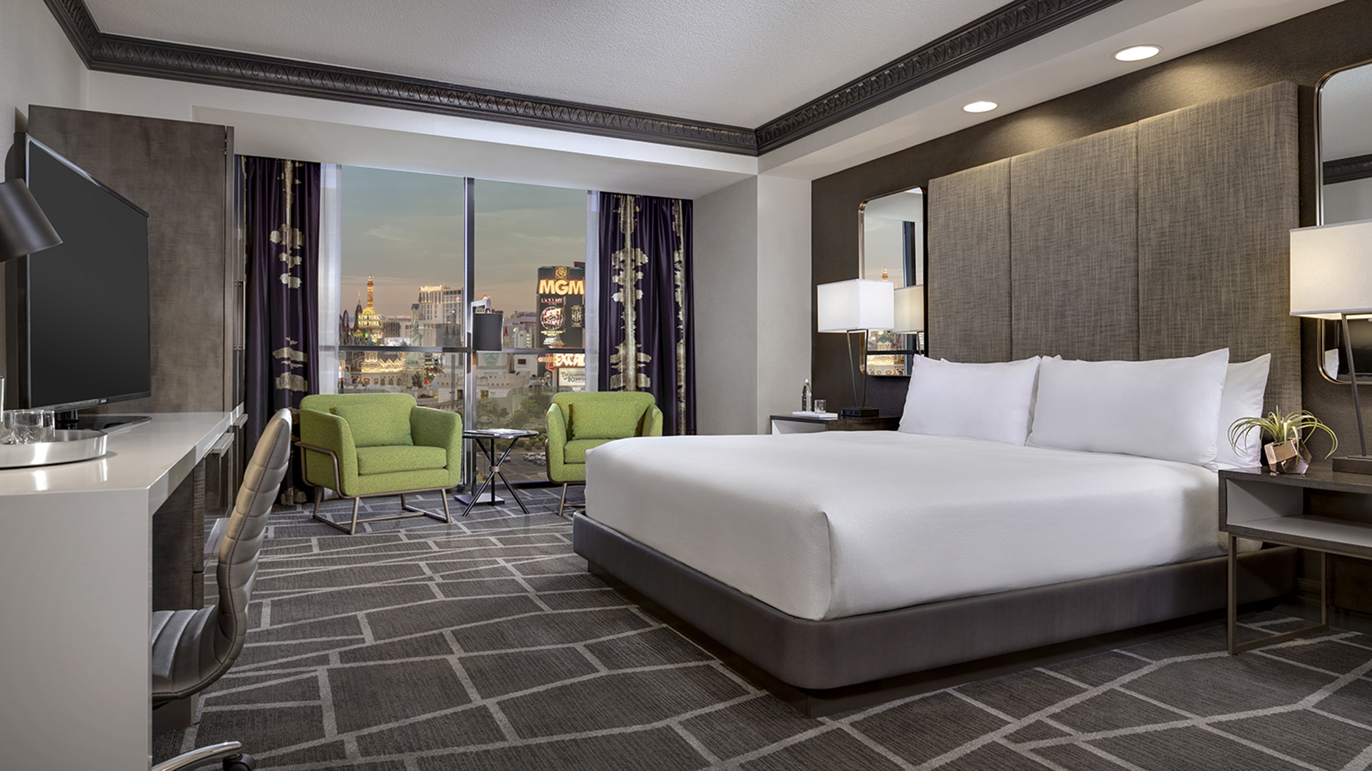 Luxor Remodeling 1 700 Hotel Rooms Travel Weekly