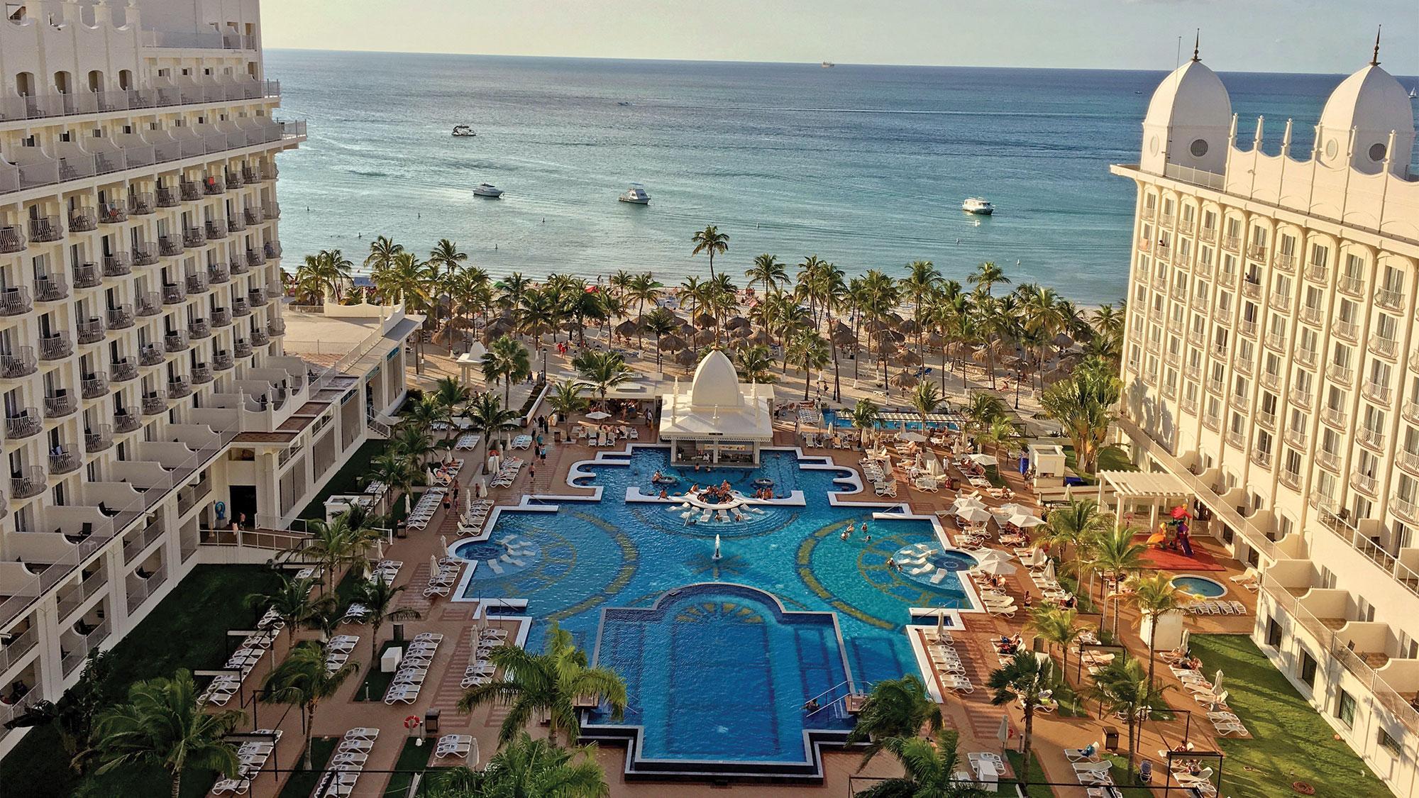 All Inclusive Or A La Carte Two Aruba Resort Experiences Travel Weekly