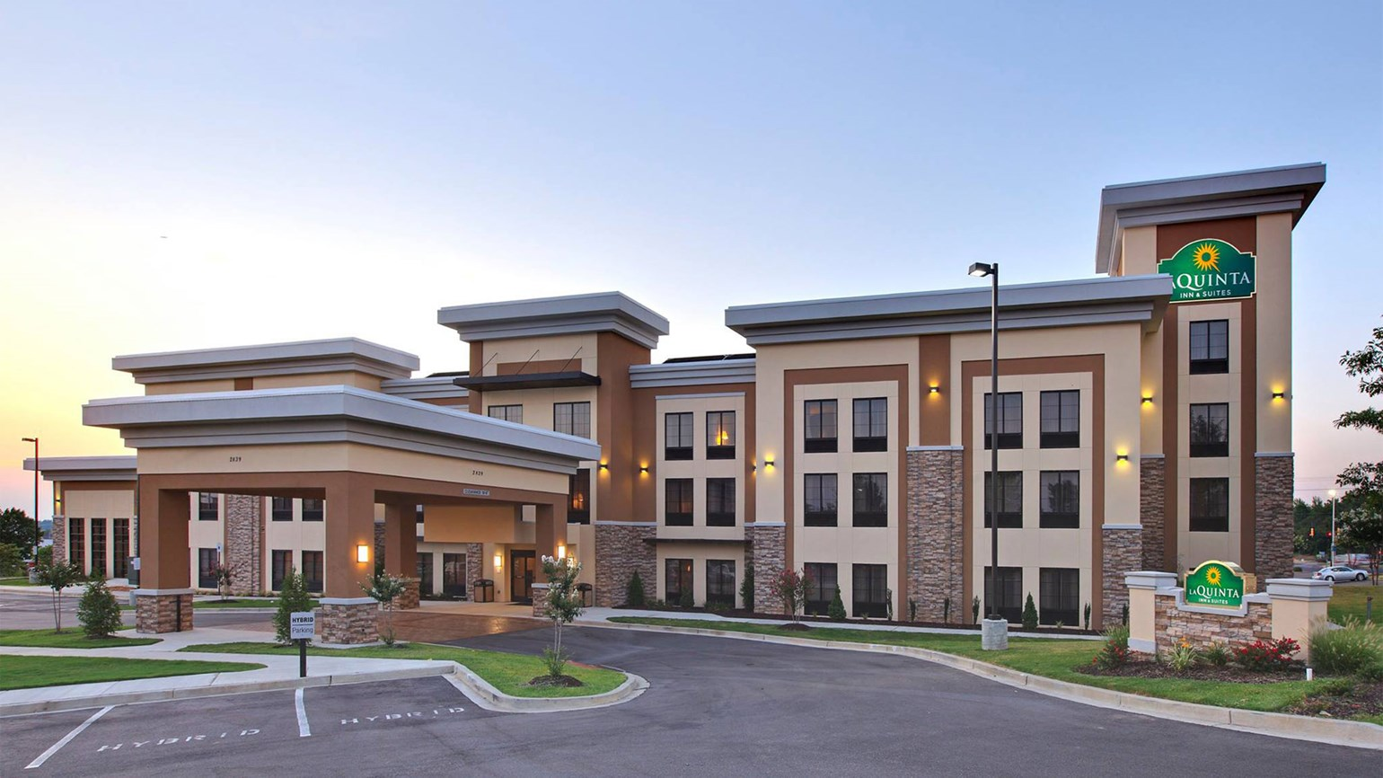 Wyndham to fatten midscale portfolio with La Quinta acquisition