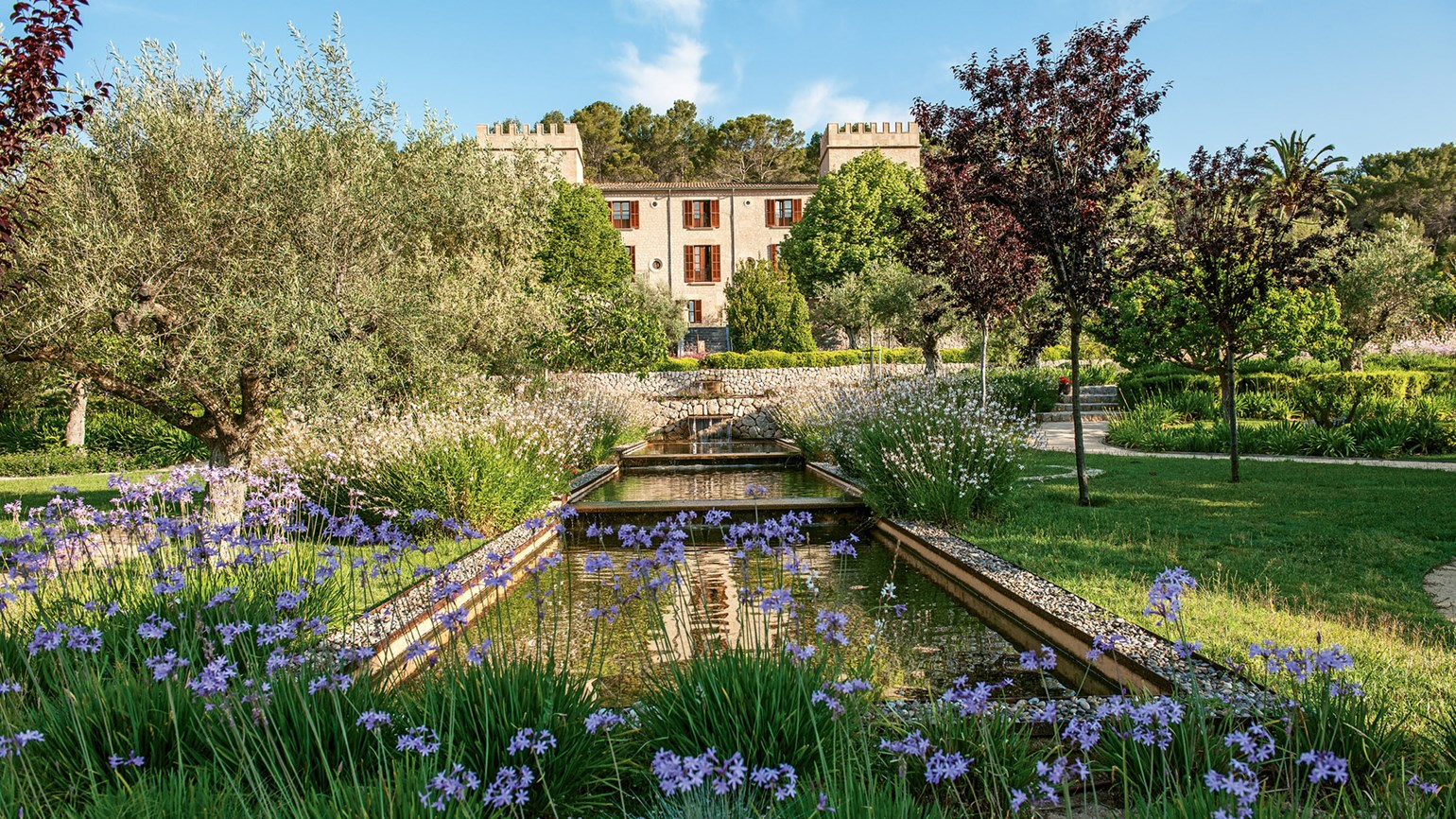 A richly romantic stay at Castell Son Claret