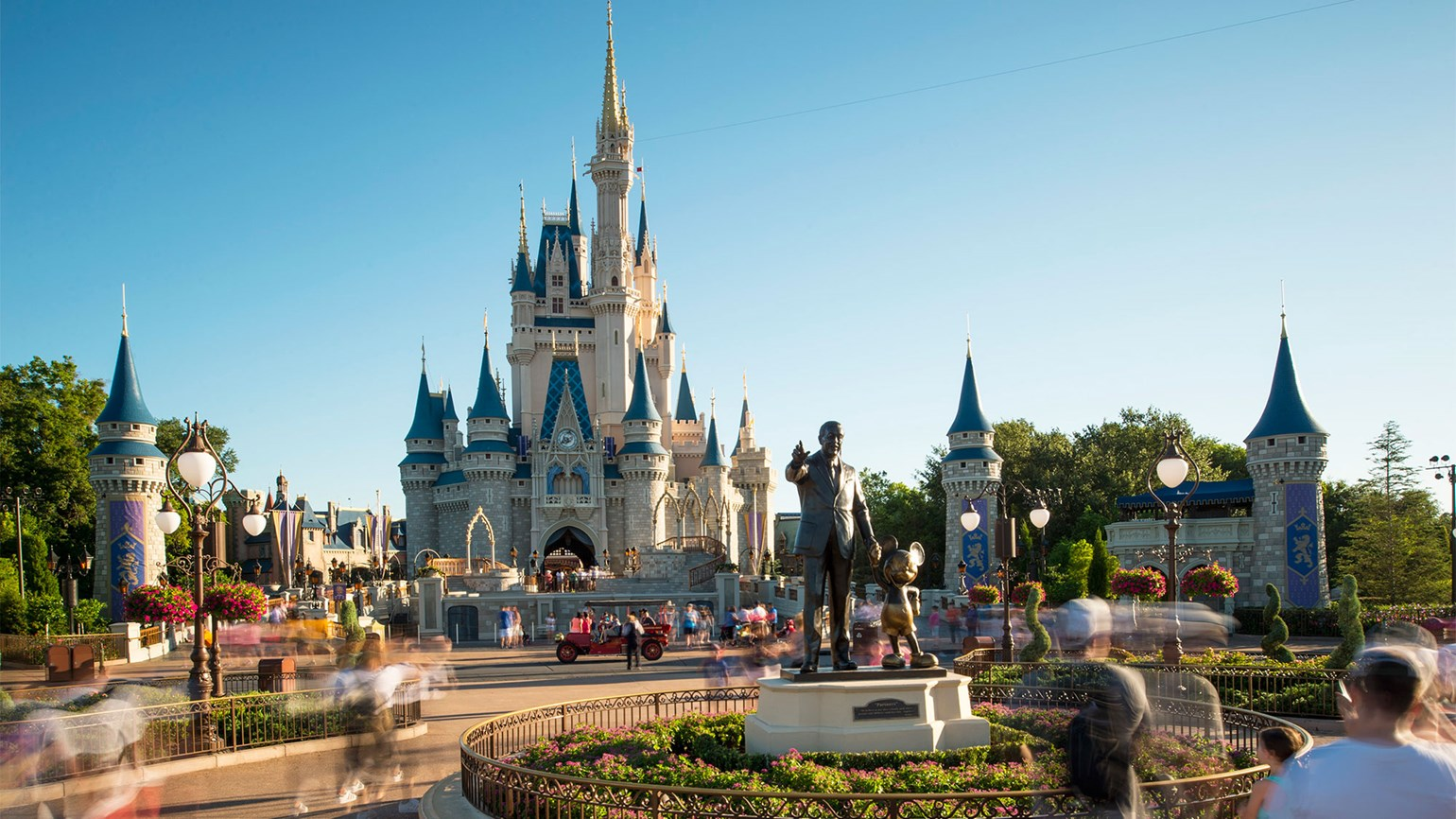Disney : losing magic in the middle kingdom