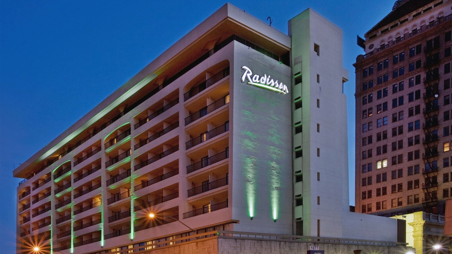 T0212RADISSON_HR
