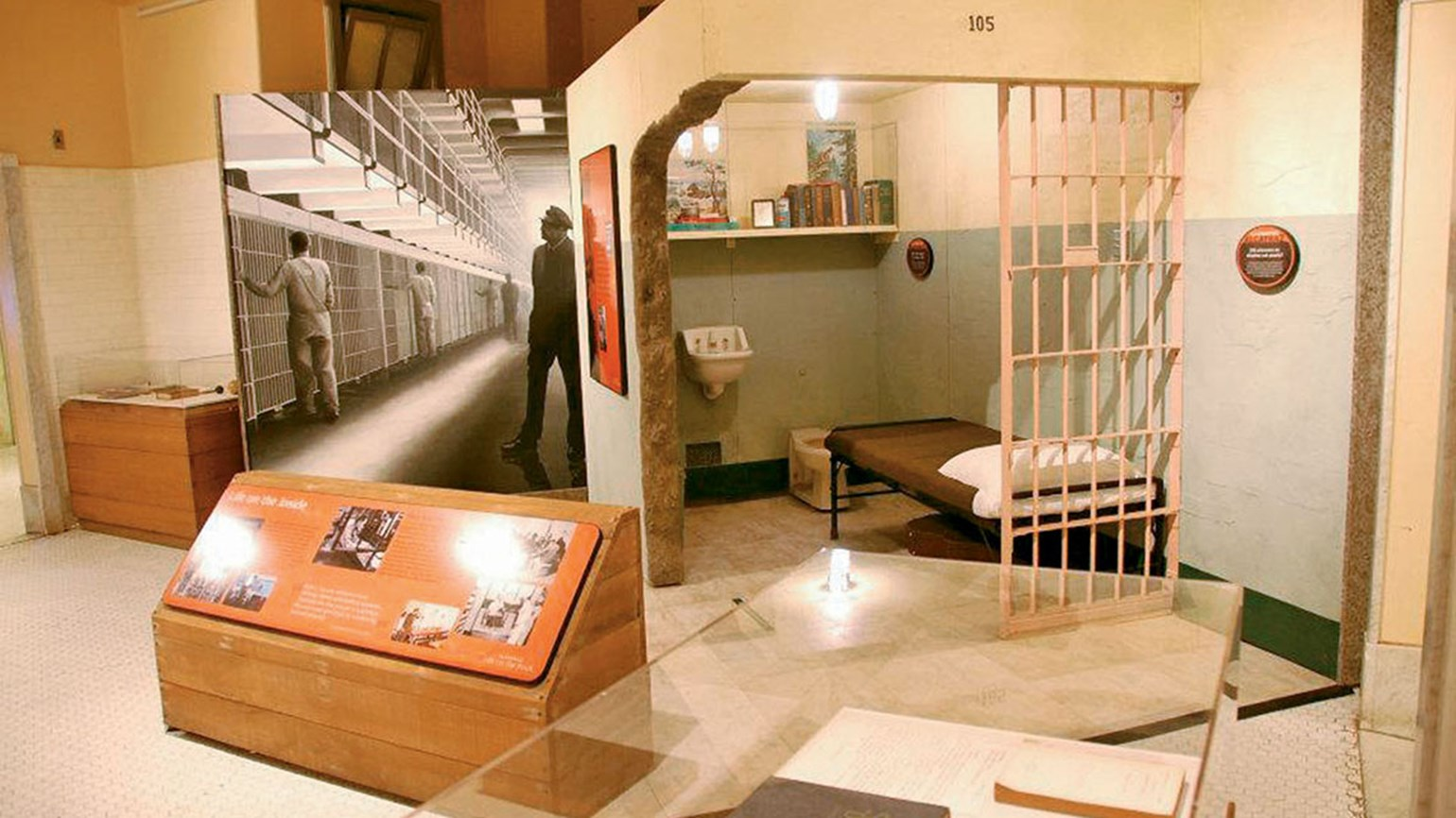Two San Francisco hotels celebrate Alcatraz prison closure with package