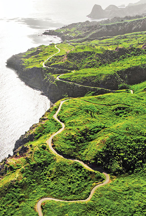 The winding road from Kahului to Hana features breathtaking oceanic vistas and roadside waterfalls with swimming holes. Photo Credit: Tommy Lundberg/Hawaii Tourism Authority