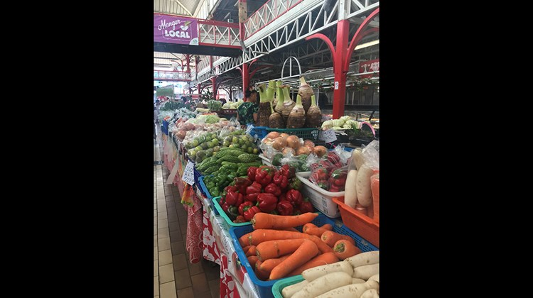 Papeete market, where you can buy fresh food as well as local handicrafts, souvenirs and Tahitian oils.