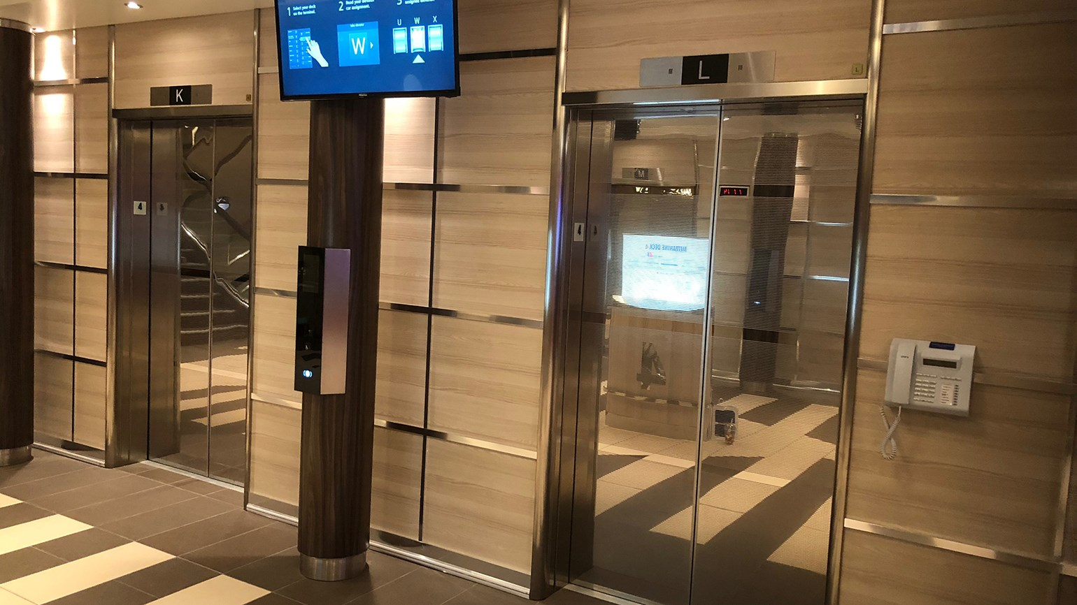 Carnival Horizon equipped with smart elevators