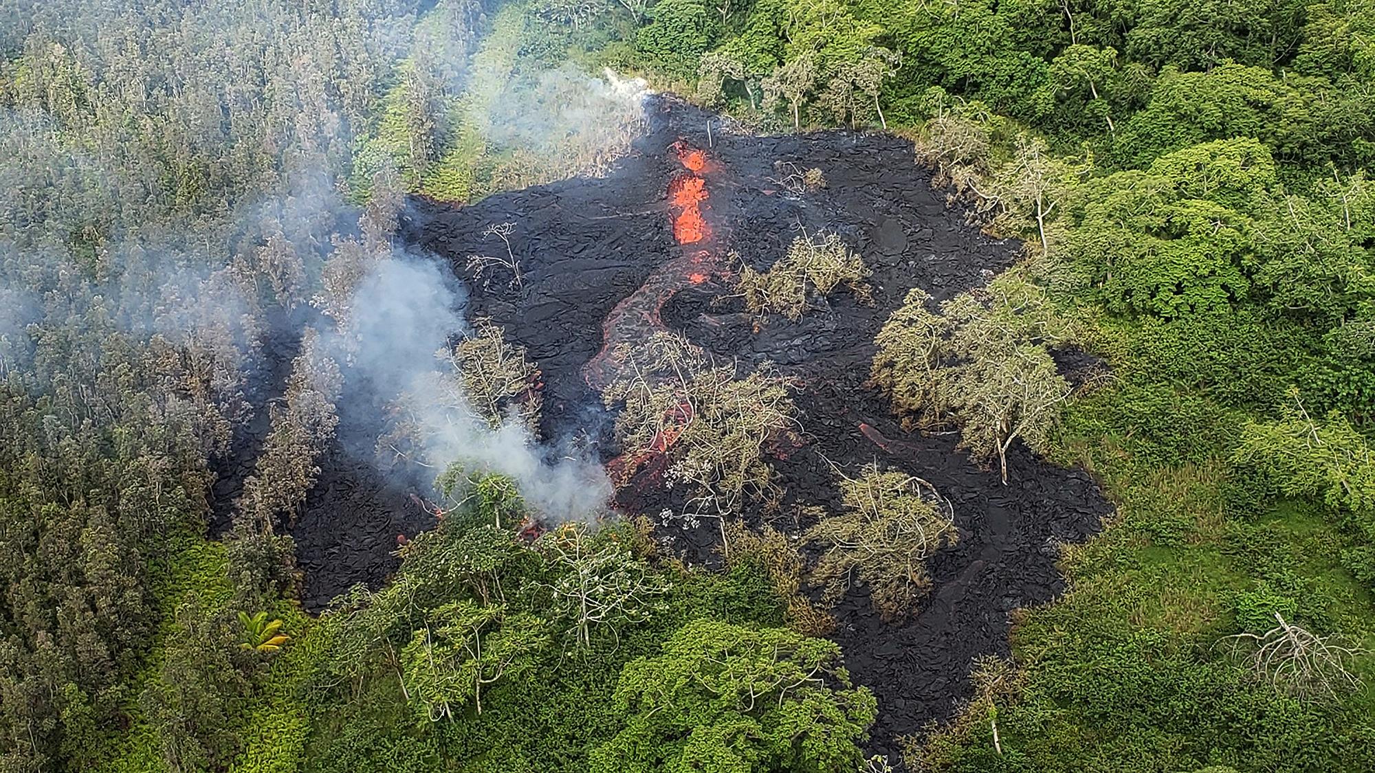 Noisy Lava Fissure Prompts More Evacuations On Big Island