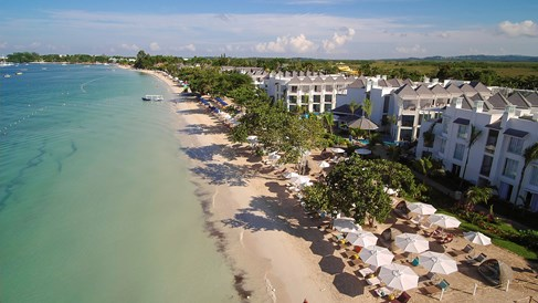 Azul resort in Negril has new adults section