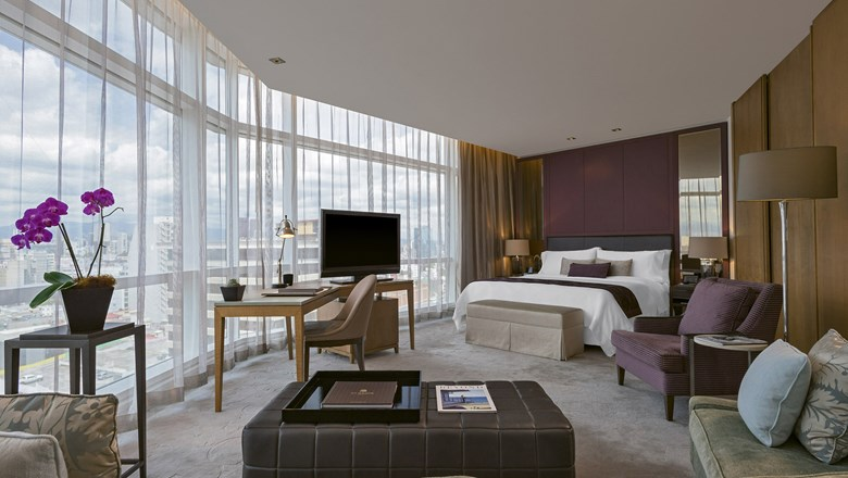 An Executive Suite at the St. Regis Mexico City.
