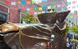 The ''El Centro de ti Mismo'' sculpture outside the Sergio Bustamante Gallery in downtown Tlaquepaque, home to scores of art galleries and handicrafts sellers.