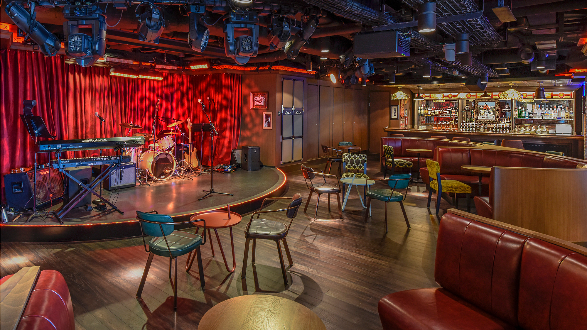 Norwegian Breakaway Gets New Rock Themed Bar