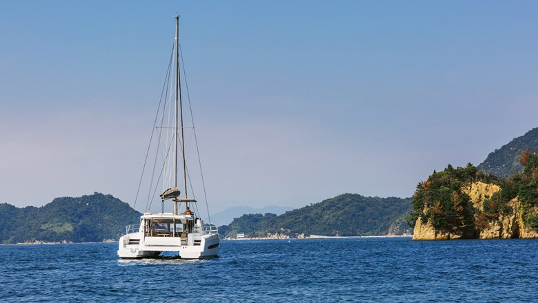 Seto Yacht Charter offers multiday excursions on the Seto Inland Sea.