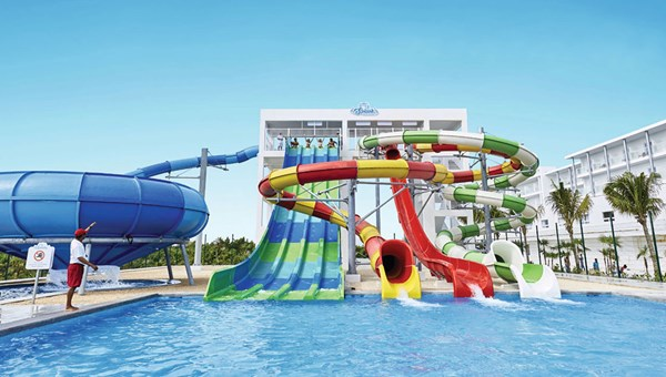 The Splash Water World waterpark at the Riu Dunamar, which also has five pools.