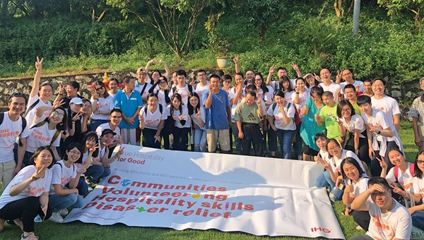 The China Central Reservations Office collaborated with InterContinental Hotels Group charity partner Hui Ling to run a harvesting activity.