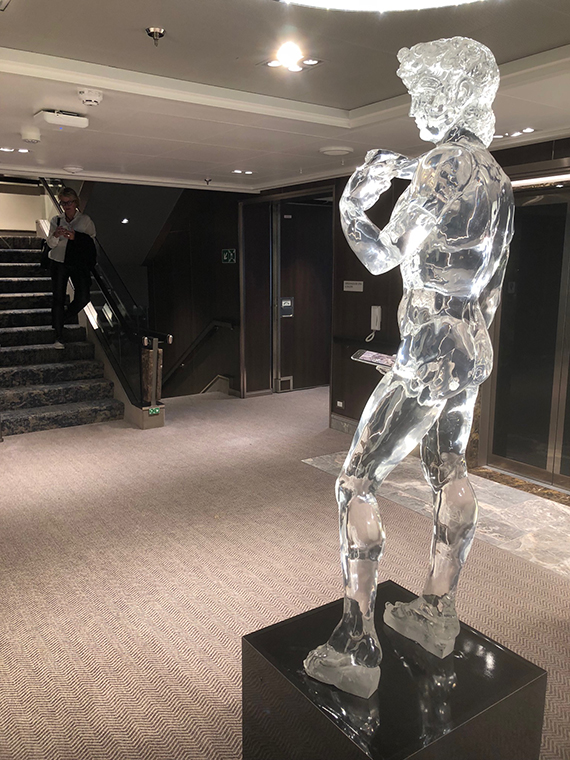 This translucent resin copy of the David statue with a cell phone is a social media favorite on Nieuw Statendam