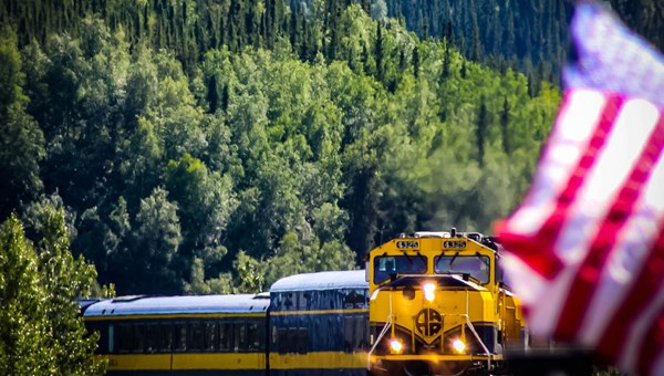 The North to Denali package kicks off with a Denali Star Train trip from Anchorage to Talkeetna.