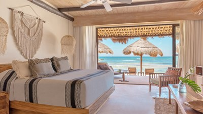 El Pez adds two rooms right on the beach
