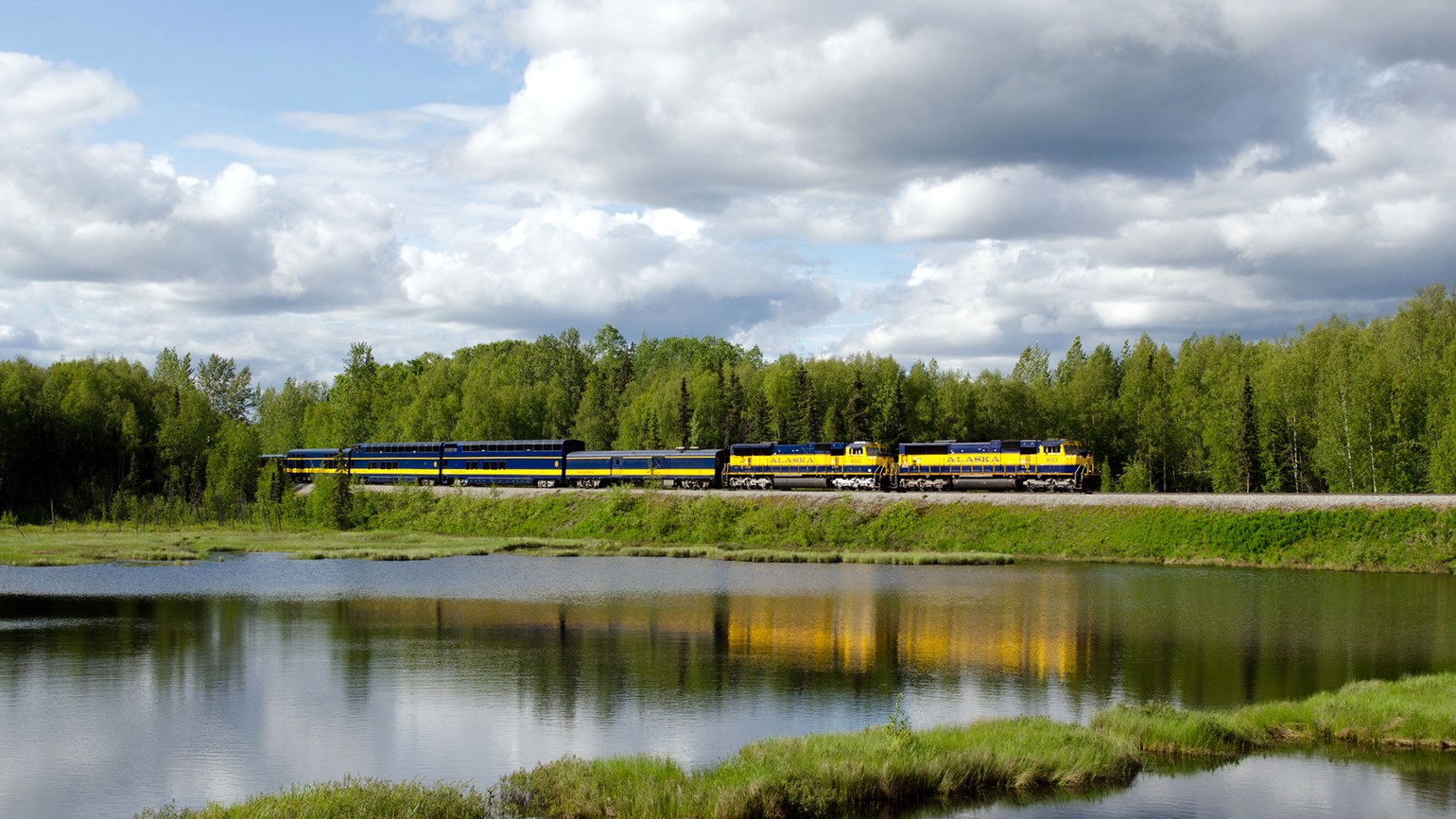 Rail and road tour highlights major Alaska destinations