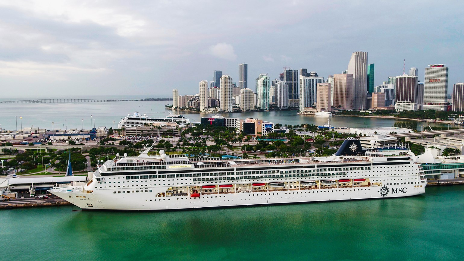 Florida, CDC ordered into mediation over cruise lawsuit