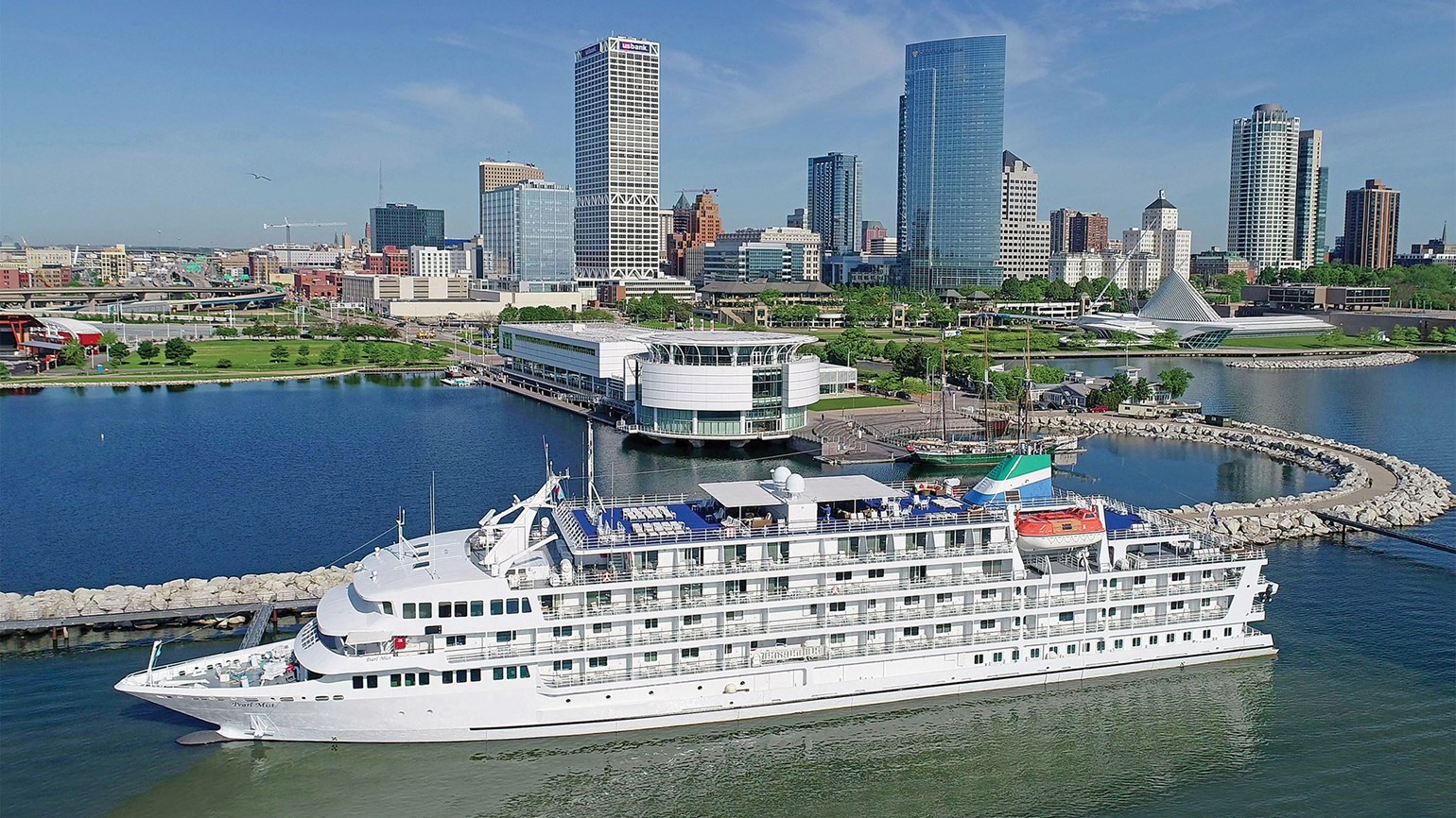 Michigan Car Cruise Schedule 2020.Cruising The Eighth Sea The Great Lakes Are Emerging