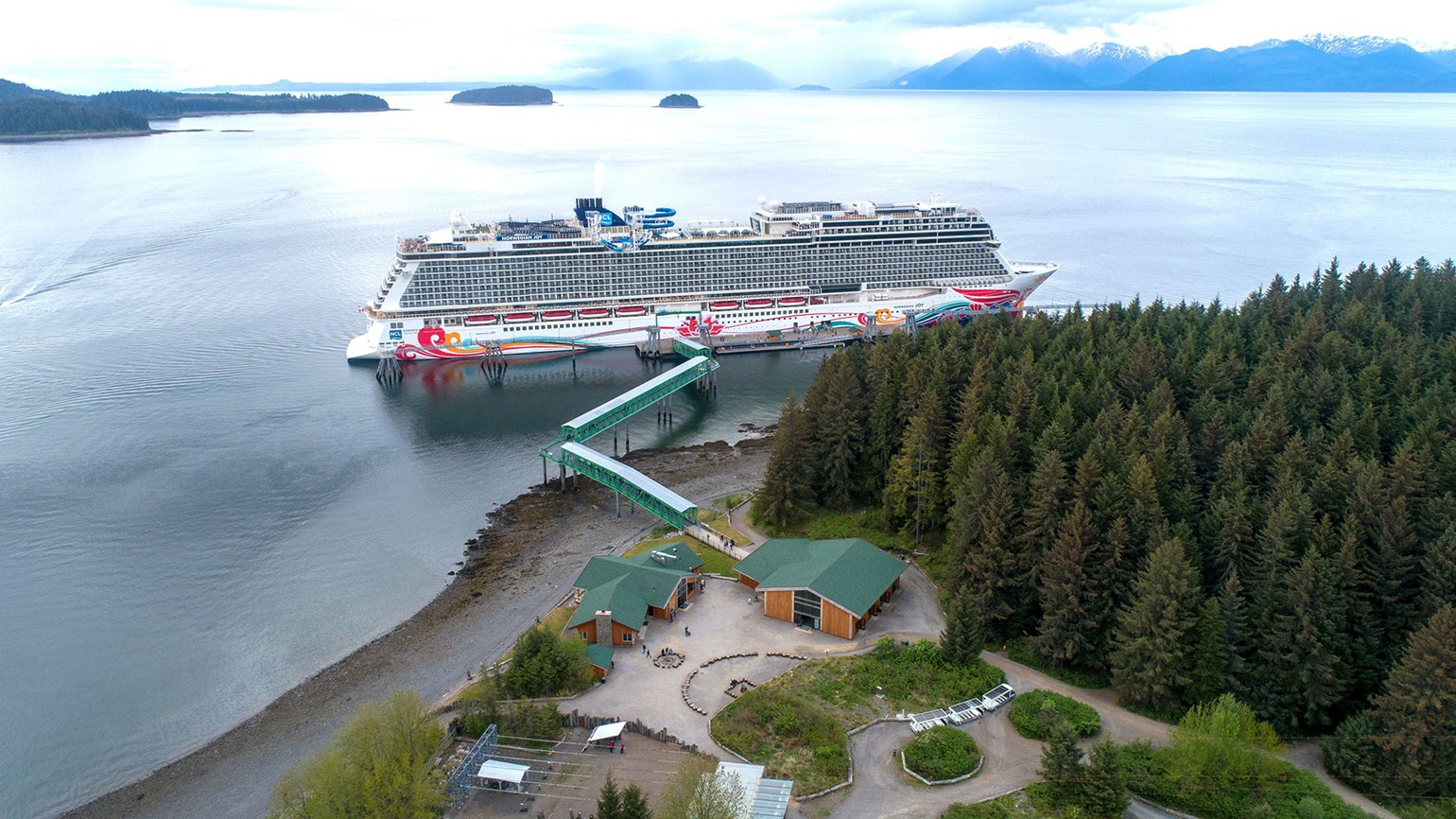 Frank Del Rio: Norwegian Cruise Line is 'hopeful' on Alaska cruise season