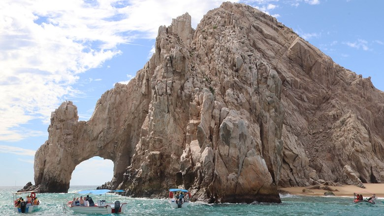The Arch of Cabo San Lucas.