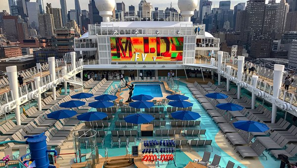 A view of the Norwegian Encore's midship pools.