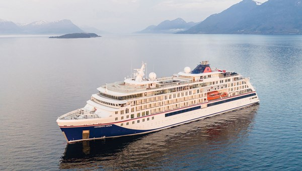 In March, Hapag-Lloyd canceled the first two scheduled cruises of the Hanseatic Nature because of delayed delivery from the Vard shipyard.