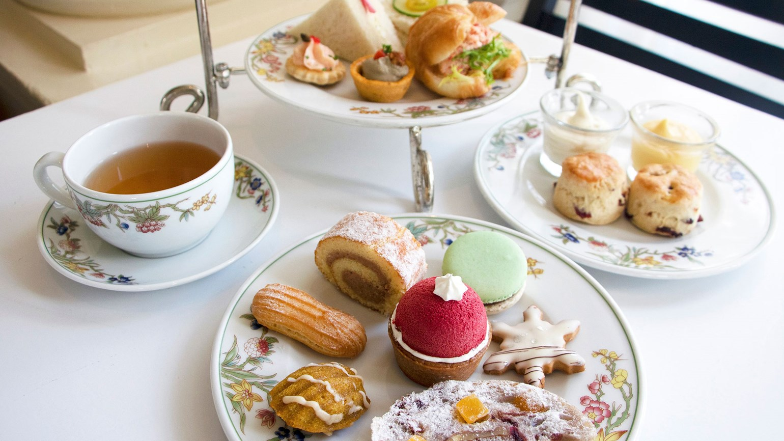 Moana Surfrider revives holiday tea service
